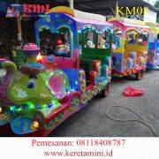 kereta motor gajah