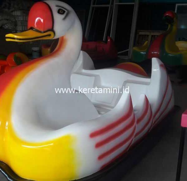 sepeda air bebek-bebekan 2