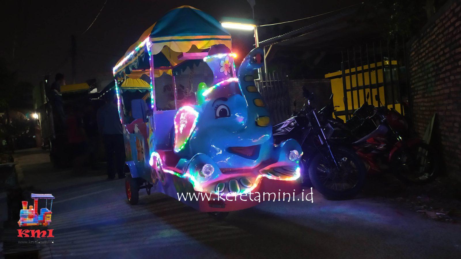 Kereta Motor Kepala Gajah Cibaliung Banten